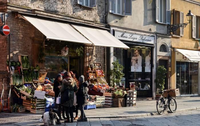 как жить в Италии, если не знаешь языка итальянские мясные лавки магазины маназин семейный бизнес